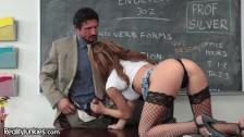 الجنس في المدرسة مع الفاسق المعلم