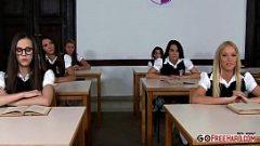 الجنس جيدة مع اثنين من الطلاب انتفاخ أسفل