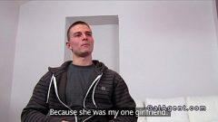 وتقول مباشرة أنه إذا أراد أن إشراك يجب أن تمارس معه الجنس لها بجد