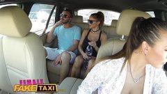 السائقين الجنس الاباحية مع عميل بعد الخلوة في السيارة