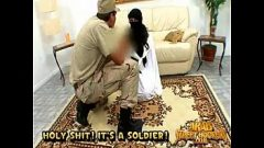 العاهرة العربية مارس الجنس في الحمار كما تحب