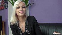 الجنس عبر الإنترنت مع طالب شقراء شاب