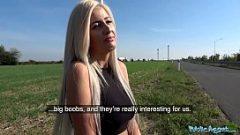 امرأة شقراء يريد أن يمارس الجنس في الهواء الطلق