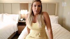 هذه المرأة تريد أن تكون ملكة في السرير