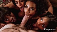 مشاهدة ثلاث فتيات تمتص ديك كبيرة