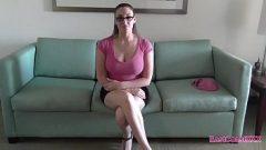 مقابلة عمل مع سيدة جميلة